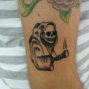 Caveira tradicional. #skull #skulltattoo #tattoo2me #traditionaltattoo #tatuagemtradicional #tatuagem #coffee #cafe