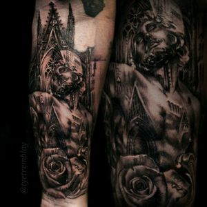 #religioustattoo #architecture #cathedral #rose #blackandgrey #realism