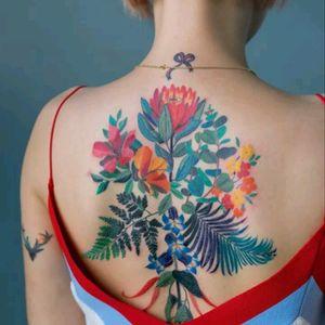 Zihee Tattoo #tattoodo #TattoodoApp #tattoodoBR #tatuagem #tattoo #flores #flowers #colorida #colorful #ZiheeTattoo
