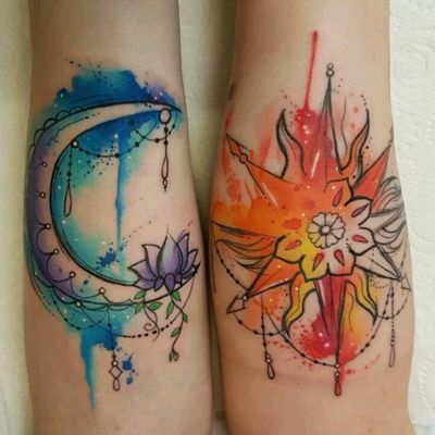 Josie Sexton #tattoodo #TattoodoApp #tattoodoBR #tatuagem #tattoo #lua #moon #aquarela #watercolor #abstrata #abstract #colorida #colorful #JosieSexton
