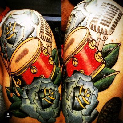 #drummer #drums #microphone #roses #colored #music #traditional