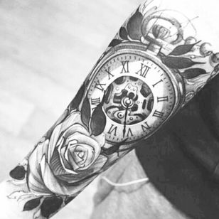 #clocktattoo #compass #rose #tattoed #tattoodesign #future #blackandgrey #only #dark #inkup