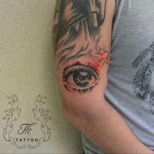 Za eye #realistictattoos #tattoo #cooltattoos #tatuaje #tatuajebaieti #tatuajebucuresti #salontatuajebucuresti #salontatuaje. www.tatuajbucuresti.ro