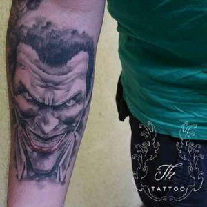 Tatuaj Joker realistic/ Joker tattoo done în Bucharest #thtattoo #tattoos #jokertattoo  #tattoobucharest #salontatuajebucuresti  #salontatuaje #tatuaje #tatuajerealistice #joker #portrait #tatuajebaieti.     www.tatuajbucuresti.ro