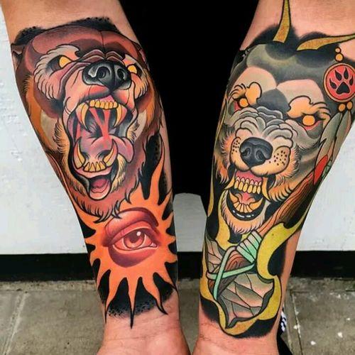 Mike Stockings #tattoodo #TattoodoApp #tattoodoBR #tatuagem #tattoo #urso #bear #machado #axe #colorida #colorful #neotrad #neotraditional #MikeStockings #lobo #wolf