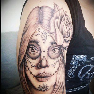 First day of the dead girl/portrait #dayofthedead #dayofthedeadgirl #portrait #portraittattoo #rose #rosetattoo #realism #blackandgrey #blackandgreytattoo #zuperblack #intenzetattooink #fadetheitch #bishoprotary #ink #inked #inkedgirl #tattoo #tattooist #tattooed #tattooartist #tattoooftheday #picoftheday #photooftheday #France #reims