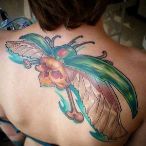 #newschooltattoo #goldenbug #beatle #colorfully
