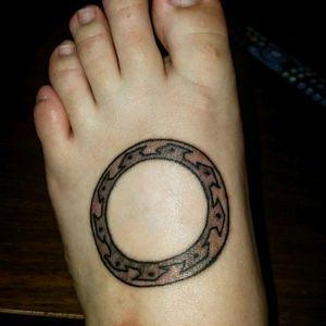 The Dark Chakram from Xena: Warrior Princess, 2 days old. #xena #tattoo #chakram #foot #foottat #warriorprincess #ouch