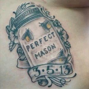 #realistic #realism #manson #masonjar #insects #banner #ribbon #mostlyblackandgray #blackwork #bee #bees #honeybee #easttennessee #morbeats #morbeatsink #tat2bito #jinxproof