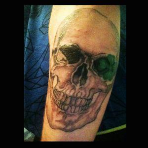 #skulltattoo #realisticskull #blackandgreytattoo #quadrifoglio #ItalianTattoo