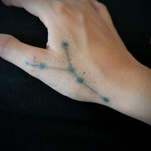 First hand tattoo #tattoo #cancer #astrology #astrologicalsign #hand #dotwork #dotworktattoo