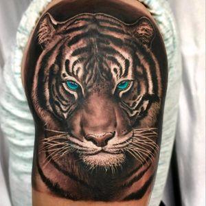 Loving my first ever Tiger tattoo by Rods Jimenez at #sacredtattoonyc #realism #realismo #tigertattoo #tiger