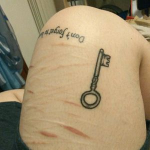 #chiave #sticknpoke #handpoketattoo #handpoked #selfharm #bodymod #ink #pantheraink #liner