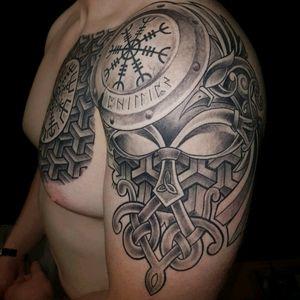 Incredible work by Jose Malabares of Malabares tattoo studio in Stjørdal, Norway. No filter added. #viking #vikingtattoo #Odin #OdinsRavens #Valknut #Runes #nordic #NordicTattoo #chesttattoo #geometric #shield #chestpiece #shouldertattoo #quartersleeve