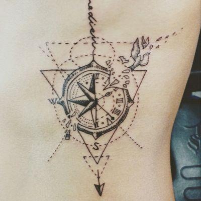 #lineaork #compass #compasstattoo #carpediem #tattoo #tattooartist