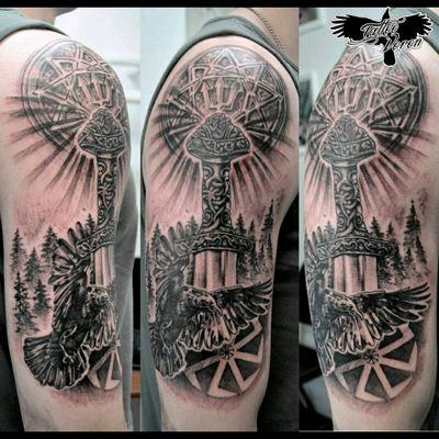 #tattoo #tattooartist #blackandgreytattoo #crow #viking #vikingtattoo
