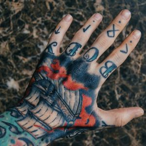 My revamped ship hand tattoo Artist @siho_tattooist shop @inkholic Follow me on Instagram 1tombrennan #hand #handtattoo #oldschool #oldschooltattoo #traditional #traditionaltattoo #ship #sea #ocean #shiptattoo #nautical