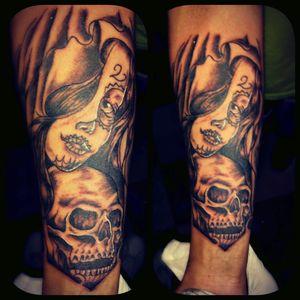 Tatuaje hecho por #damagedTattoo #catrinatattoo en el brazo #full