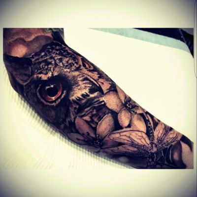Latest work in progress ♡♡ #blackandgrey #owl #flowers #snowdrops #dragonfly #sleeve #animals #tattooedgirls