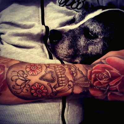 #rose #roses #hand #forearm #rosarybeads #skull #dayofthedead #handtattoo #colour #flower
