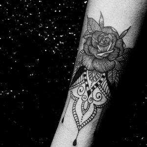 #tattoo #arttattoo #roses #tattooartist