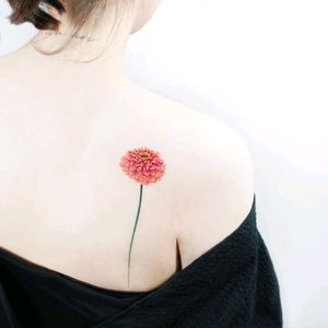 By #HeejaeJung #tattooistida #redflower #flower #floral #simple #minimalist
