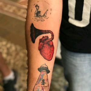 Phonograph Heart, the first tattoo I do in Kraken Tattoo Studio #phonograph #heart #color #tattoo #red #ink #tatuaje #Puebla #Mexico #HybridoKymera @tattoodo