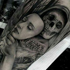 #Ronstoppable @ronstagram #Realism #BlackandGrey #Dead #Skull #Mask #Girl