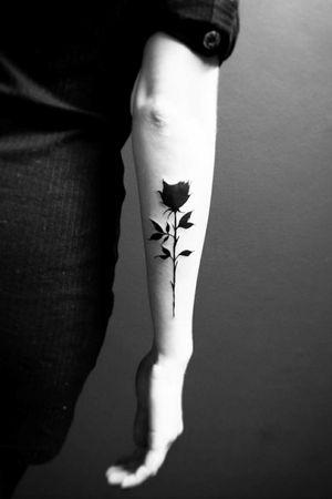 Black rose #tattoo#tatouage #flowertattoo #rosetattoo #blacktattooart #blackrose
