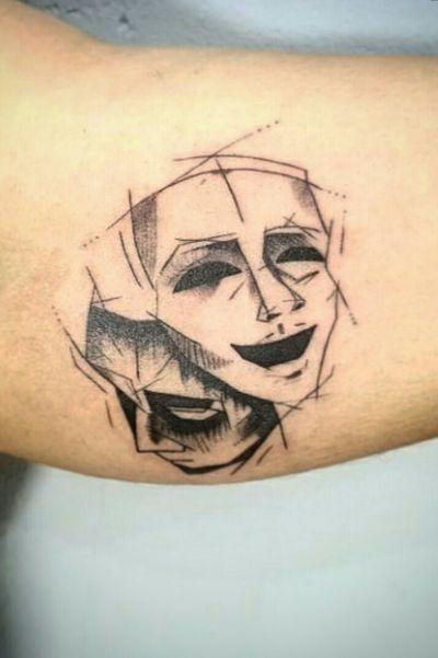 Máscaras do teatro! Lindo trabalho do Luh Muito obrigada pela confiança! #teatro #ator #artista #lovemyjob #drama #filme #cinema #tattoodo #tattooforme #tattooyou #blackwork #scketch #masks #vivianferreira #tattoobr
