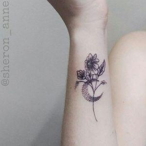 #moontattoo #floraltattoo #flowertattoo #fineline #finelinetattoo #BrazilianTattooArtists #femaletattooartist #SheronAnne