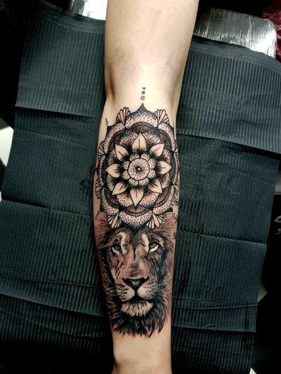Lion and mandala by @phoenixblaze #tattoo #liontattoo #lion #bigcat #BigCatTattoos #mandalatattoo #mandala #mandalas