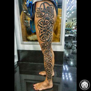 Tattoo Gothic Style #tattoooftheday #tattodoo #Tattoodo #picoftheday #gothictattoo #Gothic #legtattoo #legtattoos