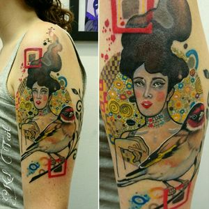 Thanks Emily for letting me make this awesome combo piece of Klimt's 'Portrait of Adele Bloch-Bauer' and the Goldfinch from your favourite book. 😘 This is fully #healed with a small touch up in the hair. #abstracttattoo #klimt #klimttattoo #portraitofadeleblochbauer #paintedtattoo #keltaittattoo @tattoosnob #tattrx @perfecttattooartists @inkstinctcolors @skinart_mag #wtt #Tattoodo @Tattoodo @theartoftattooingofficial @inkedmag #inkedgirl #birdtattoo #Goldfinch #Goldfinchtattoo #healedtattoo @tattrx @equilattera #inkstinktsubmission