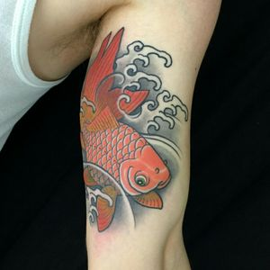 Goldfish by Lobinho #royal #royaltattoo #royaltattoodk #royalink #royaltattoodenmark #japanese #water #fish #goldfish #color