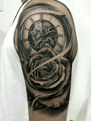 Clock and rose in black and grey. #rioinktattoo #brazilianartist #blackandgreytattoo