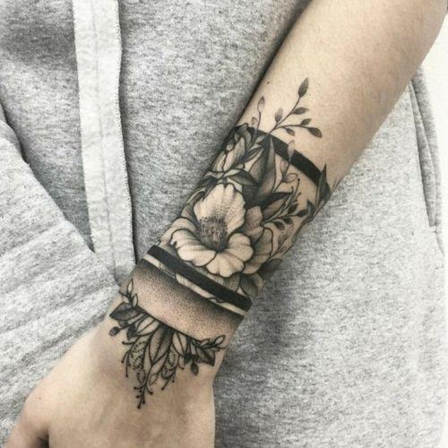 #bracelet #bracelettattoo #floraltattoo #mandalatattoo #flowertattoo #flores