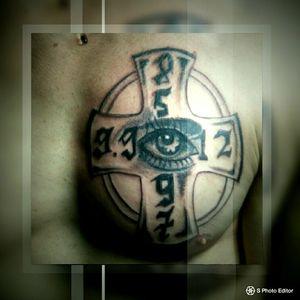 #augen #dotwork #stich #inked #inked#inkgirl #follower #follow #cheyene #farbe #blackandgrey #mone1971#tattoo #brust #erinnerung #mann #frau instatattoo #tattooist #tattooed#inked #mann #frau