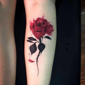 #watercolortattoos #watercolortattoo #watercolor #flower #redflowers #redflower