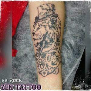 Zen Tattoo - Lion. #lion #zentattoo #mrrock #oblogdozen #tattoo #tatouage #tatuagem #tatuaje #tatuaggio #instattoo #inklovers #inklife #tattoolife #tattoolovers #taquaritinga #taqua