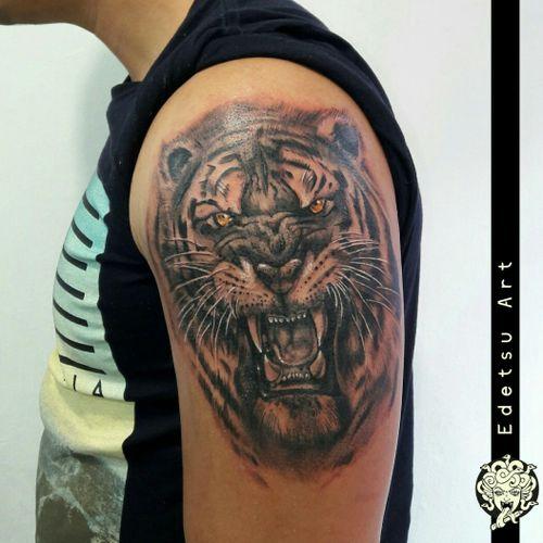 Tigers are hard to do #draw #art #painting #tattoos #tattooexpo #illustration #equilattera #flashworkers #colortattoo #realismtattoo #tatuadorasmexicanas #tatuadoresmx #flashworkers #flashtilldeath #inkjunkeyz #tattoodo #stttab #stabmegod #blackworkers #pinkworkers #coverup #tattoofixing #tattoolife #dailyart #ladytattooers #design #freehand #edetsu #edetsuart