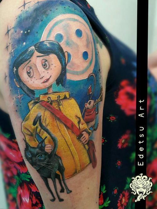 Coraline for this fan of the movie #draw #art #painting #tattoos #tattooexpo #illustration #equilattera #flashworkers #colortattoo #realismtattoo #tatuadorasmexicanas #tatuadoresmx #flashworkers #flashtilldeath #inkjunkeyz #tattoodo #stttab #stabmegod #blackworkers #pinkworkers #coverup #tattoofixing #tattoolife #dailyart #ladytattooers #design #freehand #edetsu #edetsuart