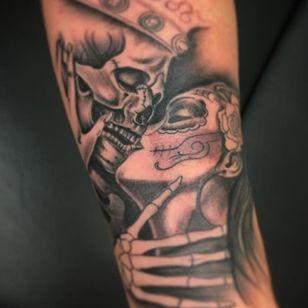 #Tattoodo #Skull #SkullTattoo #Catrina #Katrina #BlackAndGrey #BlackAndGreyTattoos #Kissing #Couple #DayOfTheDay #Art