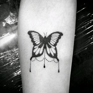Butterfly #blackwork #blackworkers #blackworktattoo #blackworksubmission #dotwork #dotworktattoo #dotworkers #blackinkonly #blackinktatt #brasiltattoo #cwbtattoo #tattoooftheday