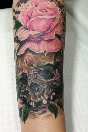 #tattoooftheday #eternalink #skullrosetattoo #followforfollow #tattoonow #realistictattoo