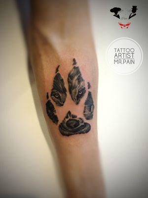 #mrsmrpain #tattoowolf #tattooworld #TattooWork #tattooartist #tattooart #blackandgreytattoo #realistic #realismo