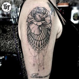 #blackworktattoo #tattoorosa #tattooornamental