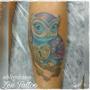 Zen Tattoo - Coruja. #zentattoo #mrrock #oblogdozen #taquaritinga #taqua #tattoo #tatuagem #tatuaje #tattoolovers #tatuagensfemininas #instattoo #eletricink #everlastcolors #owl #coruja #newschool