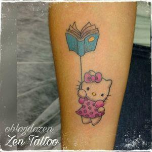 Zen Tattoo - Hello Kitty. #hellokitty #tatttoolover #tattoo #tatuaje #tatuagem #ink #inkaddict #instattoo #zentattoo #oblogdozen #mrrock