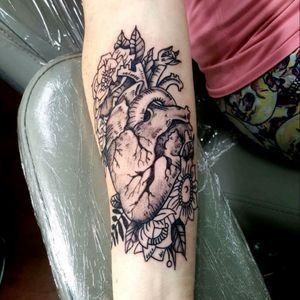 #hearttattoo #blackngreytattoo #tattoodo @alaskatattoos
